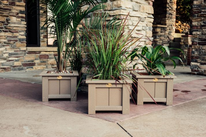 Poly 15in Square Planters Weatherwood 1